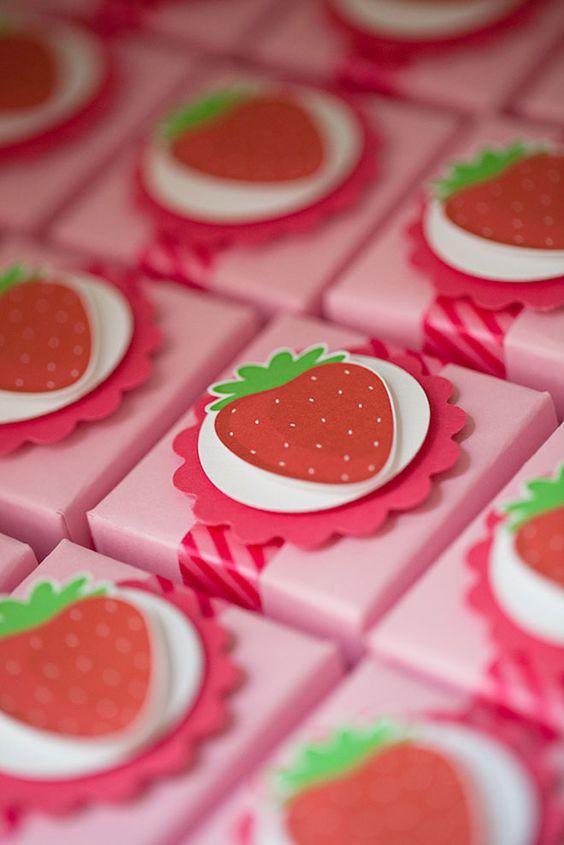 anniversaire fraise- cadeaux invités