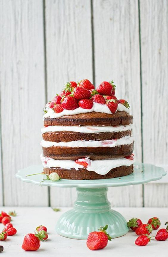 anniversaire fraise- layer cake fraise