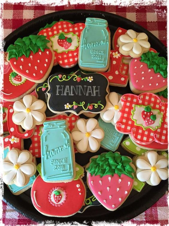 anniversaire fraise- sablés décorés