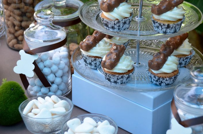 baby shower petit ours - cupcakes vanille et oursons guimauve