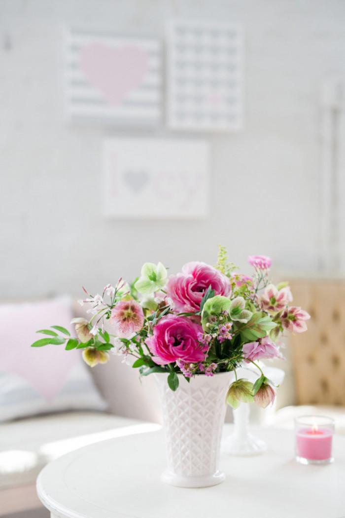 Baby Shower fille - Décoration florale avec un joli bouquet