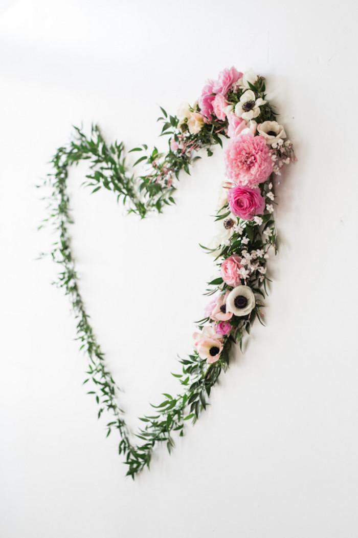 Baby Shower fille - Décoration florale coeur