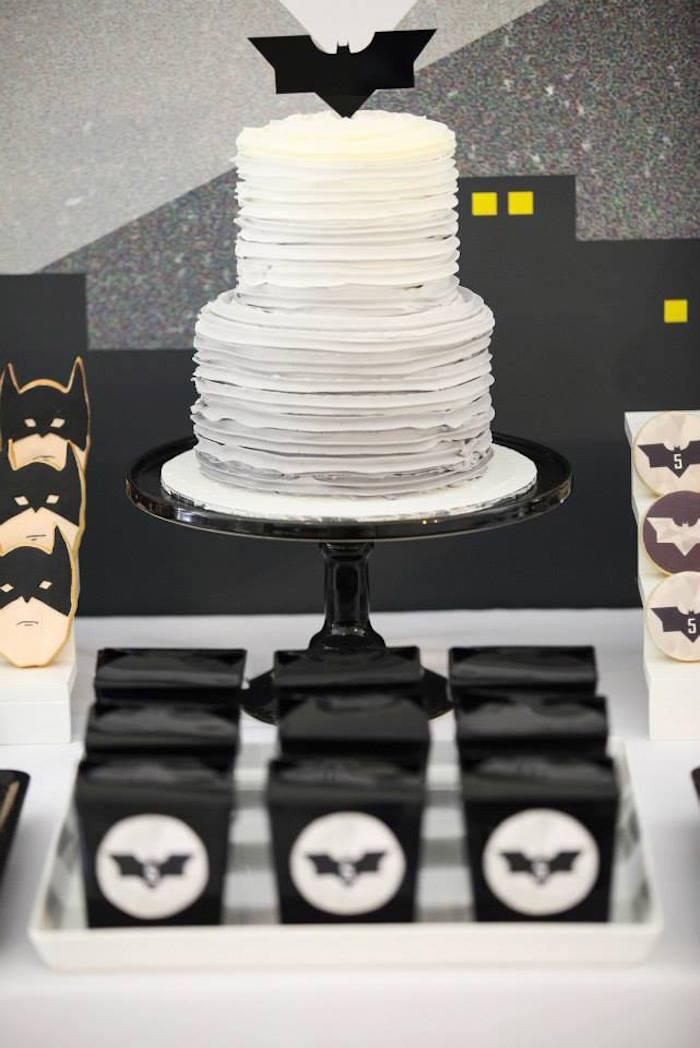 Anniversaire Batman en noir et blanc - Gâteau Batman