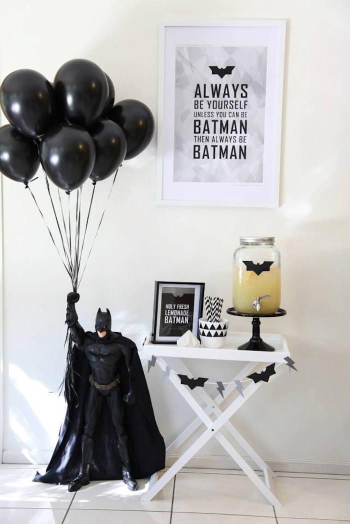 Anniversaire Batman en noir et blanc - Fontaine à boisson Batman