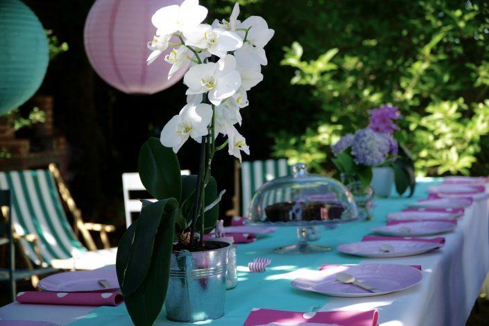 Table de banquet et ses orchidées
