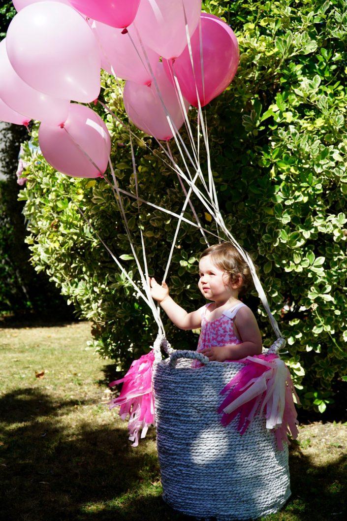 Chiara dans sa montgolfière