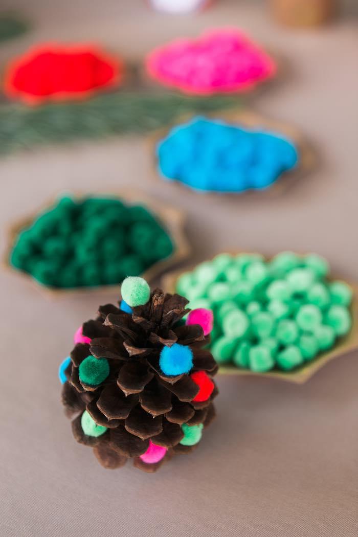Atelier de Noël par Studio Candy - Pomme de pin DIY
