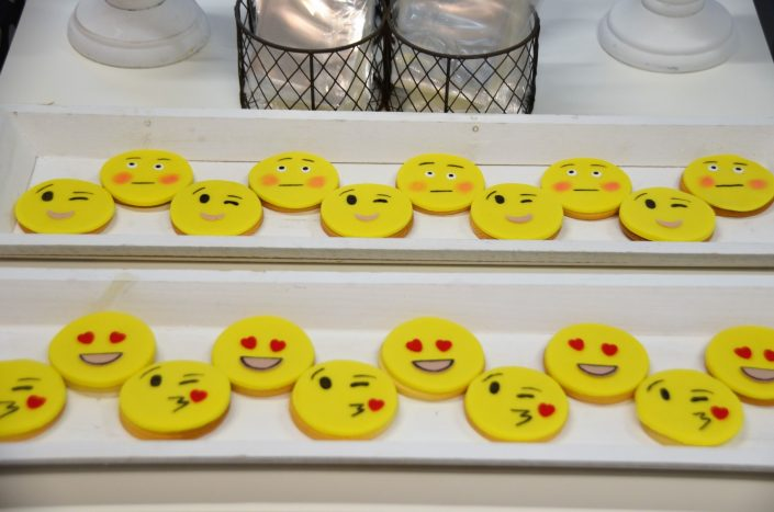 sablés décorés emoji- Studio Candy