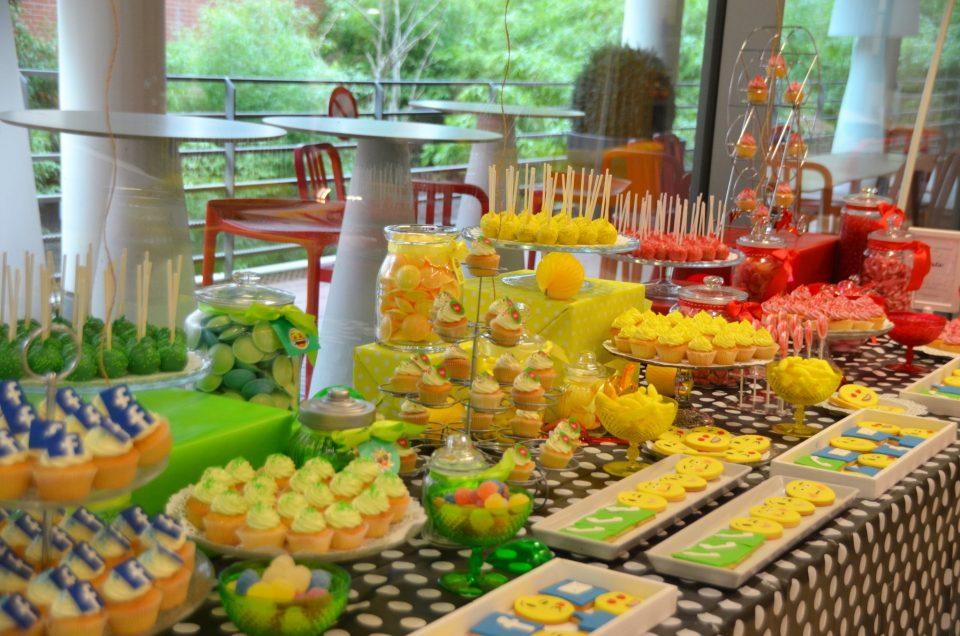 Sweet Table multicolore chez Bel