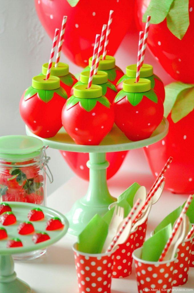 Saint valentin à la fraise - Studio Candy - Boissons et pailles rétro rouges