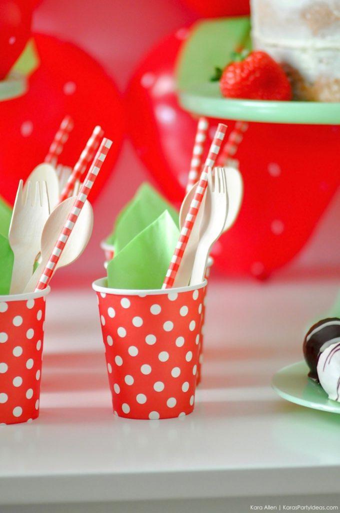Saint valentin à la fraise - Studio Candy - Gobelet et petits couverts