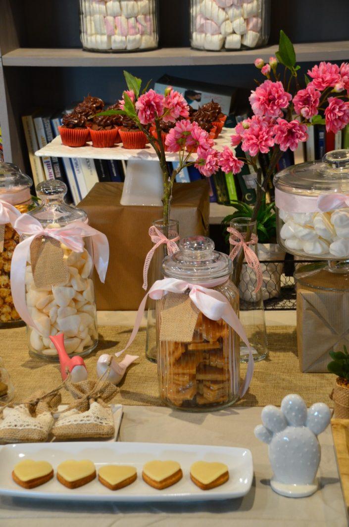 Candy Bar bohème chic par Studio Candy - sablés décorés coeurs, bonbons