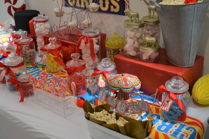 Candy Bar Circus / fête foraine pour Dulux Valentine - bonbonnières pop corn