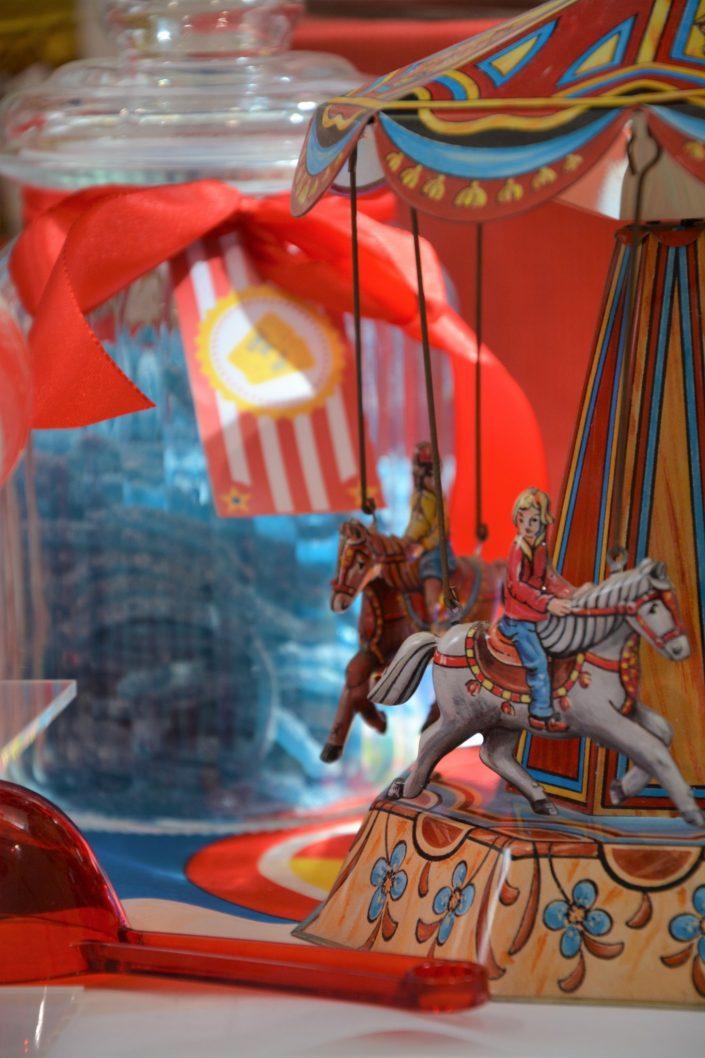 Candy Bar Circus / fête foraine pour Dulux Valentine - manège et bonbons