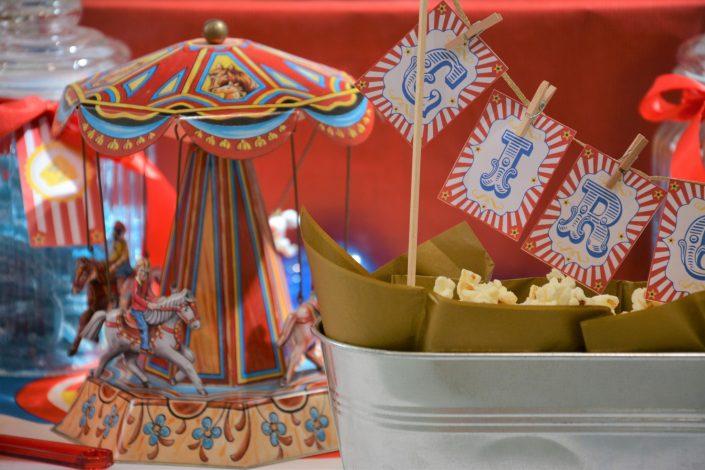 Candy Bar Circus / fête foraine pour Dulux Valentine - carrousel et pop corn