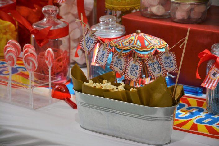 Candy Bar Circus / fête foraine pour Dulux Valentine - pop corn et sucettes