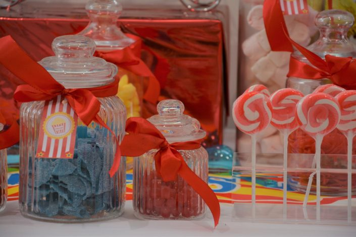 Candy Bar Circus / fête foraine pour Dulux Valentine - bonbonnières et sucettes vintage