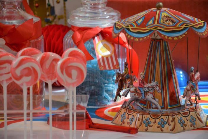 Candy Bar Circus / fête foraine pour Dulux Valentine - carrousel et sucettes vintage