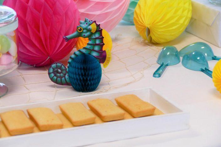 Bar à pâtisseries par Studio Candy pour L'Oréal - financiers amande