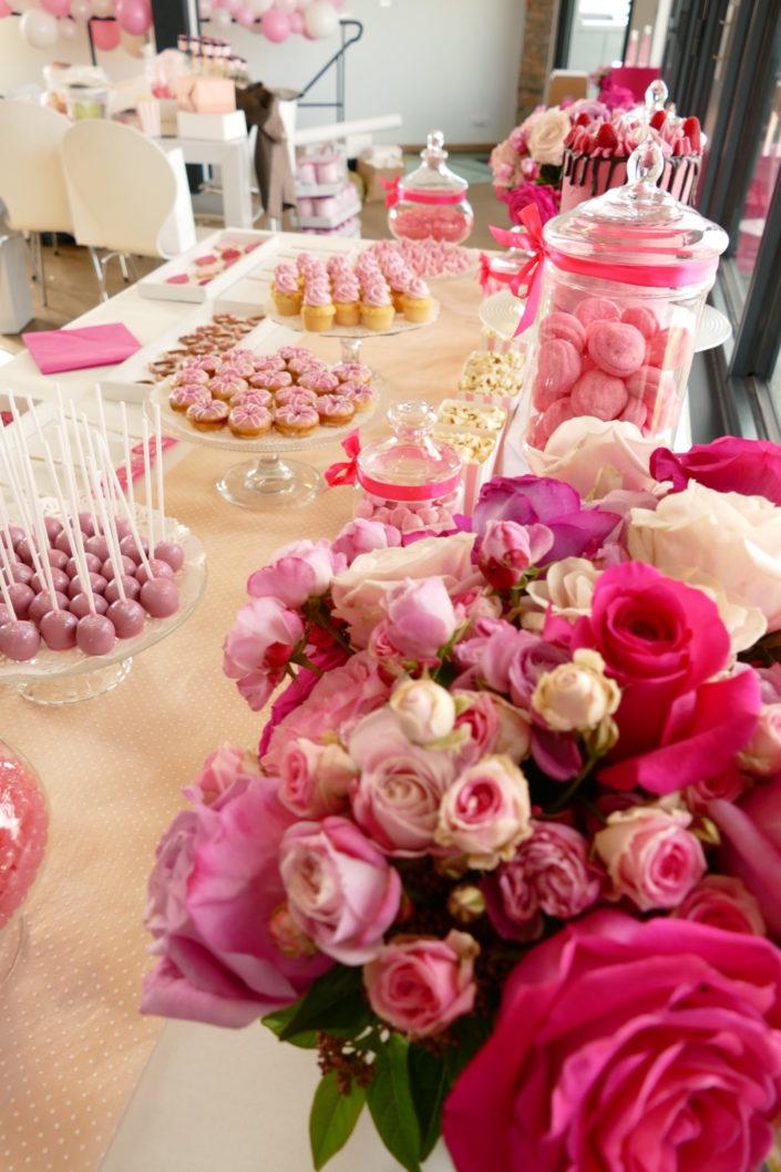 Sweet table / pâtisseries - réalisé par Studio Candy pour Givenchy