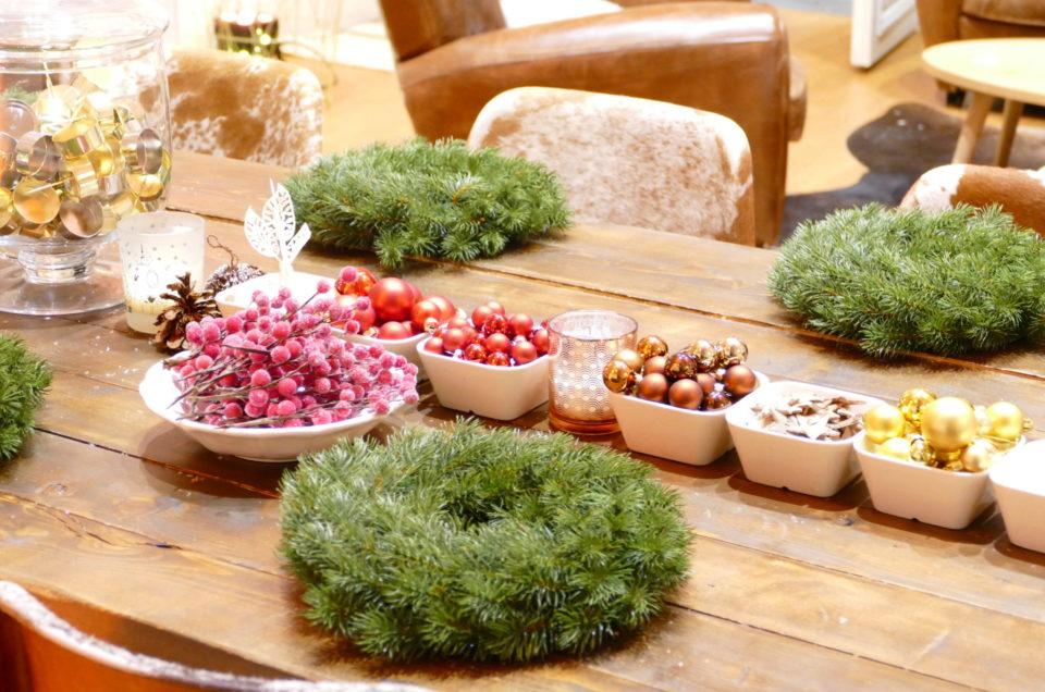 Atelier créatif centre de table de Noël