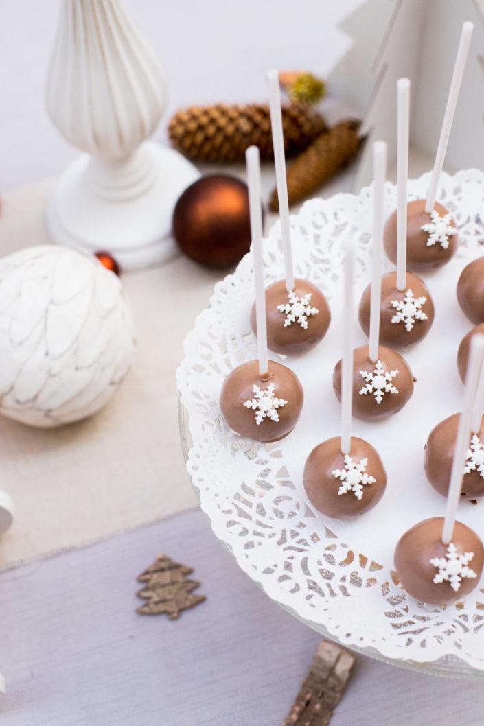 journee presse sophie la girafe - cake pops au chocolat - scenographie studio candy