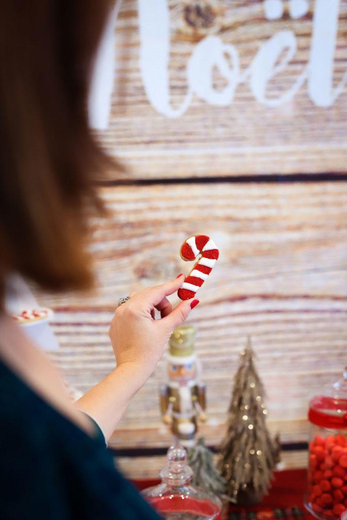 gouter de noel pour Dentsu par Studio Candy - sablés décorés, décoration de noel traditionnelle, candy bar, chamalows bonhommes de neige, patisseries personnalisees, sapins brownie