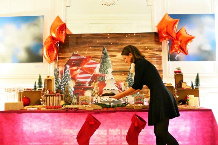 Petit déjeuner de noel pour le cabinet jeantet - cake pops rouges, décoration de noel traditionnelle, sablés décorés, financiers, sapins meringue et brownie au chocolat