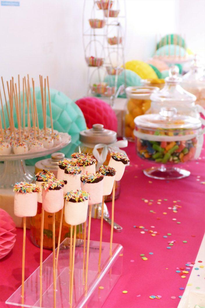 Family Day chez Idinvest par Studio Candy - goûter, candy bar, ateliers créatifs, ballons, décoration multicolore, cupcakes, cakepops