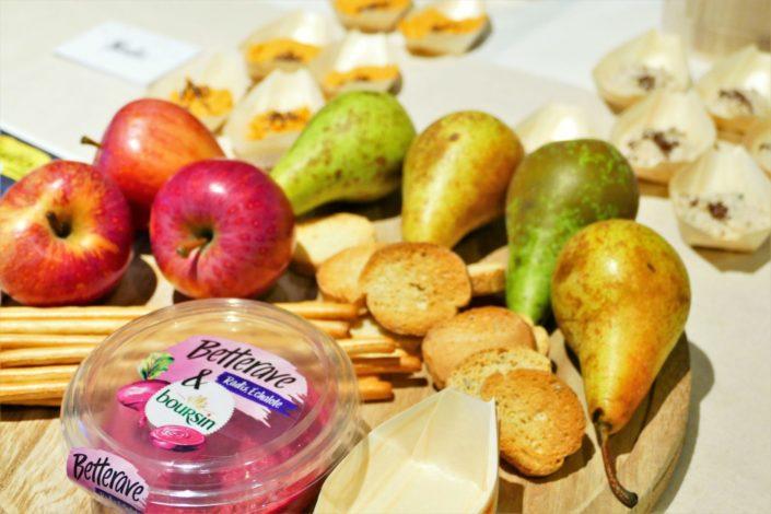 Lancement Boursin les tartinables -décoration et scénographie nature, bar à pains, gressins, fruits frais, navettes
