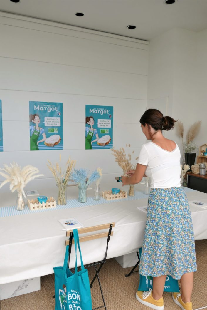 événement influenceurs pour le fromage de Margot - décoration, scénographie, fleurs séchées, installation, lin clair et marinière